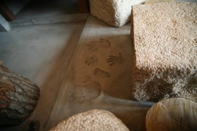 薪ストーブ 腰かけ 飛び石 手形
