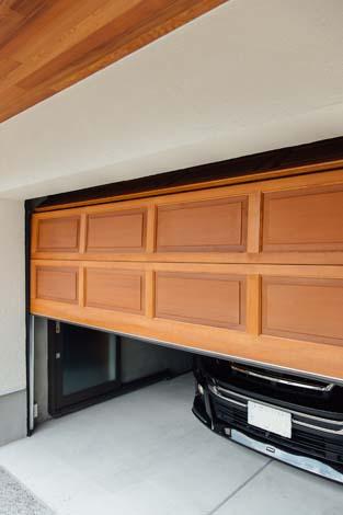 木製ガレージドア